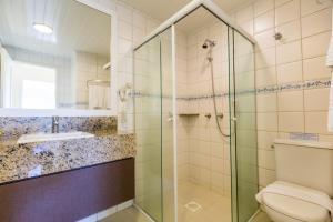A bathroom at Hotel Vila do Farol