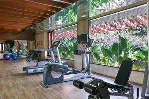 The fitness center and/or fitness facilities at Atta Lakeside Resort Suite