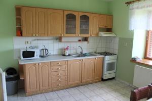 Kuchyňa alebo kuchynka v ubytovaní Hájenka Bukovina Nová Baňa