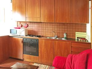 A kitchen or kitchenette at Scoiattolo