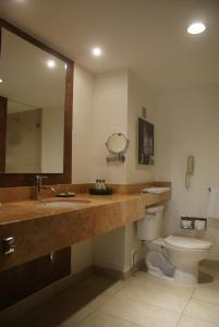 A bathroom at Hotel Ex-Hacienda San Xavier
