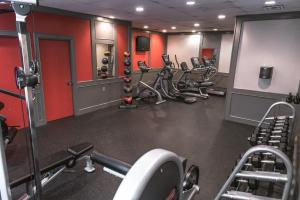 The fitness center and/or fitness facilities at Ramada Plaza by Wyndham Calgary Downtown
