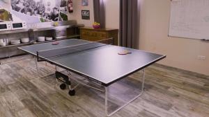 Instalaciones para jugar al ping pong en Camping Playa de Ajo o alrededores