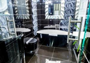 A bathroom at Hotel Polonia