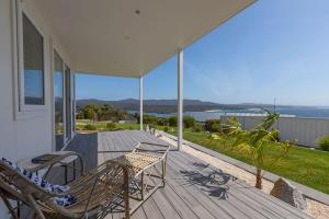 A balcony or terrace at Nautilus Bay of Fires