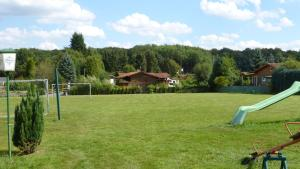 Ein Garten an der Unterkunft Hotel Alte Viehweide