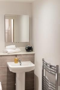 A bathroom at Chavasse Apartments
