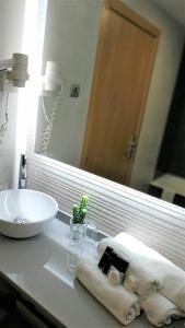 Un baño de Hotel Bilbao Jardines