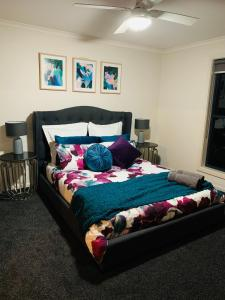 A bed or beds in a room at Little on Ash