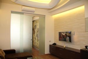 A television and/or entertainment center at Apartment in Center of Odessa