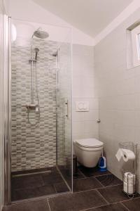 A bathroom at Villa Sarah