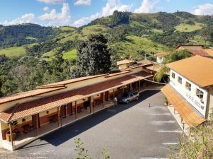 Uma vista da piscina em Pousada Colonetti ou nos arredores