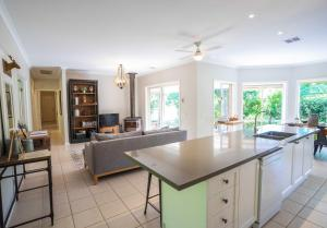 A kitchen or kitchenette at Gracefield Estate