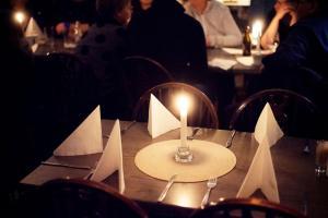 En restaurang eller annat matställe på Lilla Hotellet