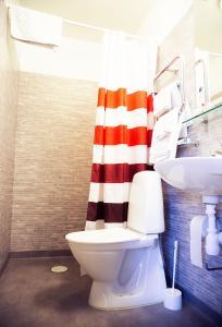 Ett badrum på Lilla Hotellet