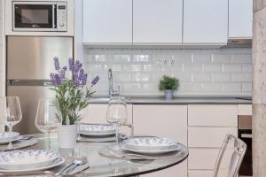 Una cocina o zona de cocina en Sur Suites Pauli