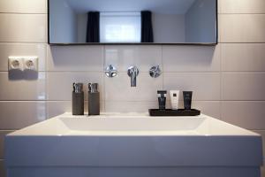 A bathroom at Dudok Studio's Arnhem