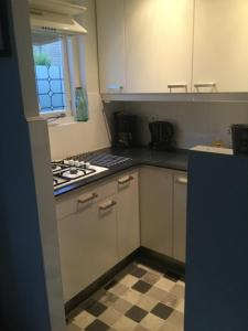 A kitchen or kitchenette at Beach-house27