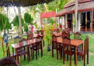 A restaurant or other place to eat at Crescent Sea Resort