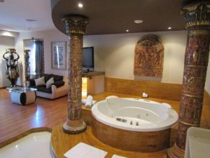 A bathroom at Hotel Alkalat
