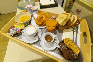 Breakfast options available to guests at Cicerone Guest House