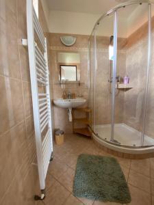 A bathroom at Pension Ferda