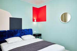 A bed or beds in a room at Apartments Minsk2Go