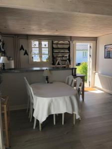 En restaurant eller et andet spisested på Rødhus Gl. Skole B&B