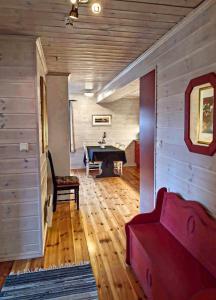 Ein Sitzbereich in der Unterkunft Sinnes Fjellstue Apartment 1F