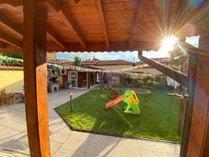 Детска площадка в Family Hotel Kavrakovi