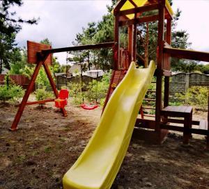 Детская игровая зона в Агроусадьба Сосновый двор в Прилуках под Брестом