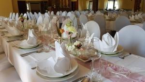 Ein Restaurant oder anderes Speiselokal in der Unterkunft Gasthof Pritzier