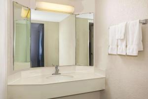 A bathroom at La Quinta Inn by Wyndham Eagle Pass