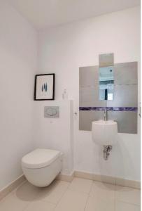 Ett badrum på Apartments in Old Town