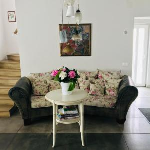 A seating area at Pastel Guesthouse