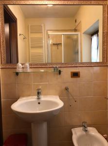 A bathroom at Villa Pellegrino