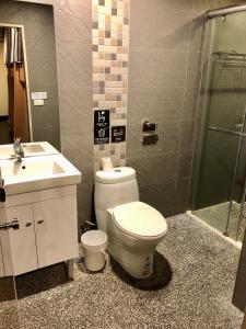 ファン イン 台北 ホステルにあるバスルーム