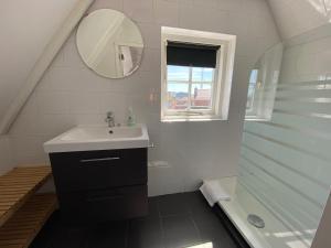 Ein Badezimmer in der Unterkunft Apartment Schelpenplein
