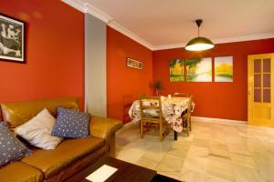 A seating area at Bonita casa en Granada+PARKING EN EL CENTRO+WIFI