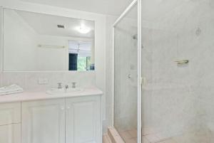 A bathroom at Sea Mist Palms