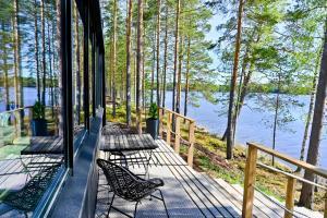 A balcony or terrace at TOP Star Lakeland Viitasaari
