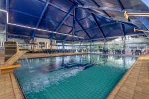 The swimming pool at or near Lagos de Jurema Termas Resort