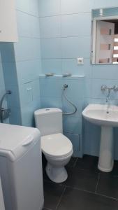 A bathroom at Almar
