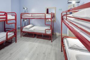 A bunk bed or bunk beds in a room at Astor Museum Hostel
