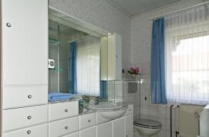 Ein Badezimmer in der Unterkunft Fewo am Sassenberg