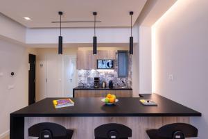 A kitchen or kitchenette at Hestia - Romvis 9