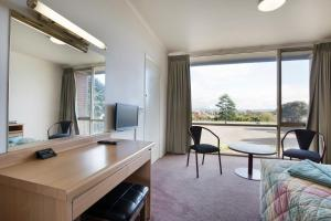 A seating area at Morwell Hotel
