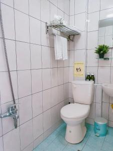 A bathroom at Kao Mama B&B