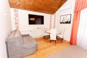 Istumisnurk majutusasutuses Guest House Rannaliiv