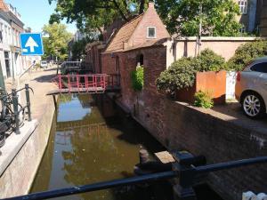 Vista de la piscina de historic city apartment with private parking o alrededores